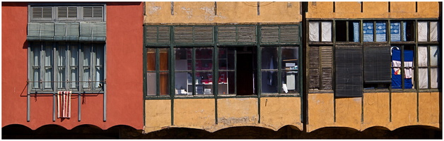 facade sur le fleuve Onyar à Gérone (Catalogne)